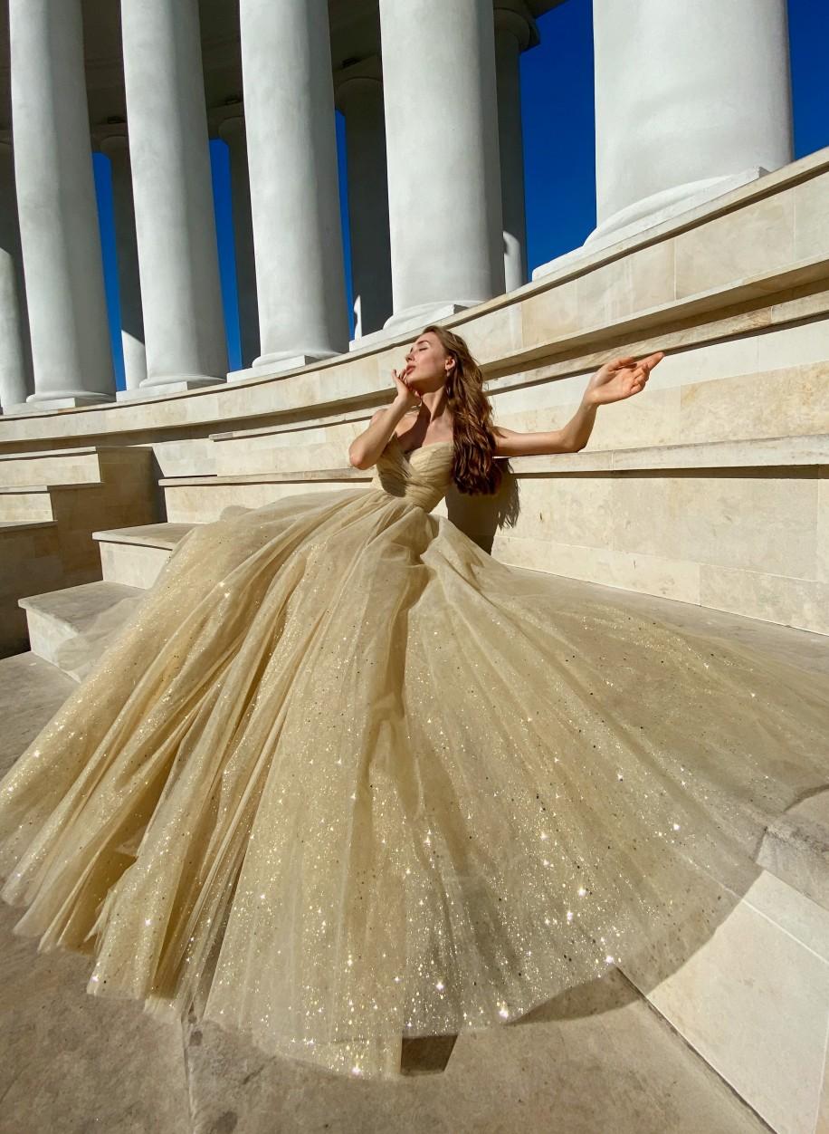Блестящее золотое платье Sherri Hill 53523