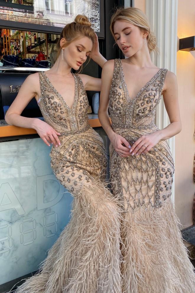 Платье рыбка с перьями Jovani 02798