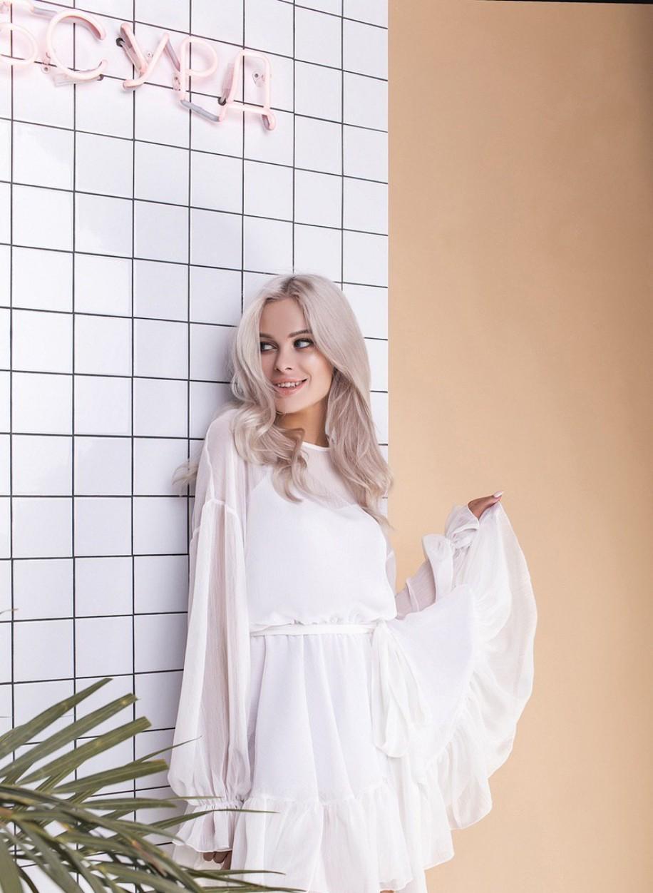 Лёгкое белое шифоновое платье 025