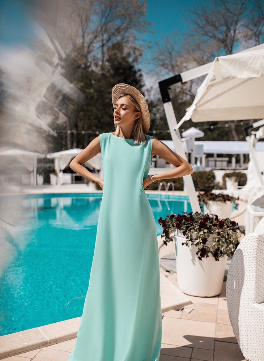 Изысканное длинное платье 026
