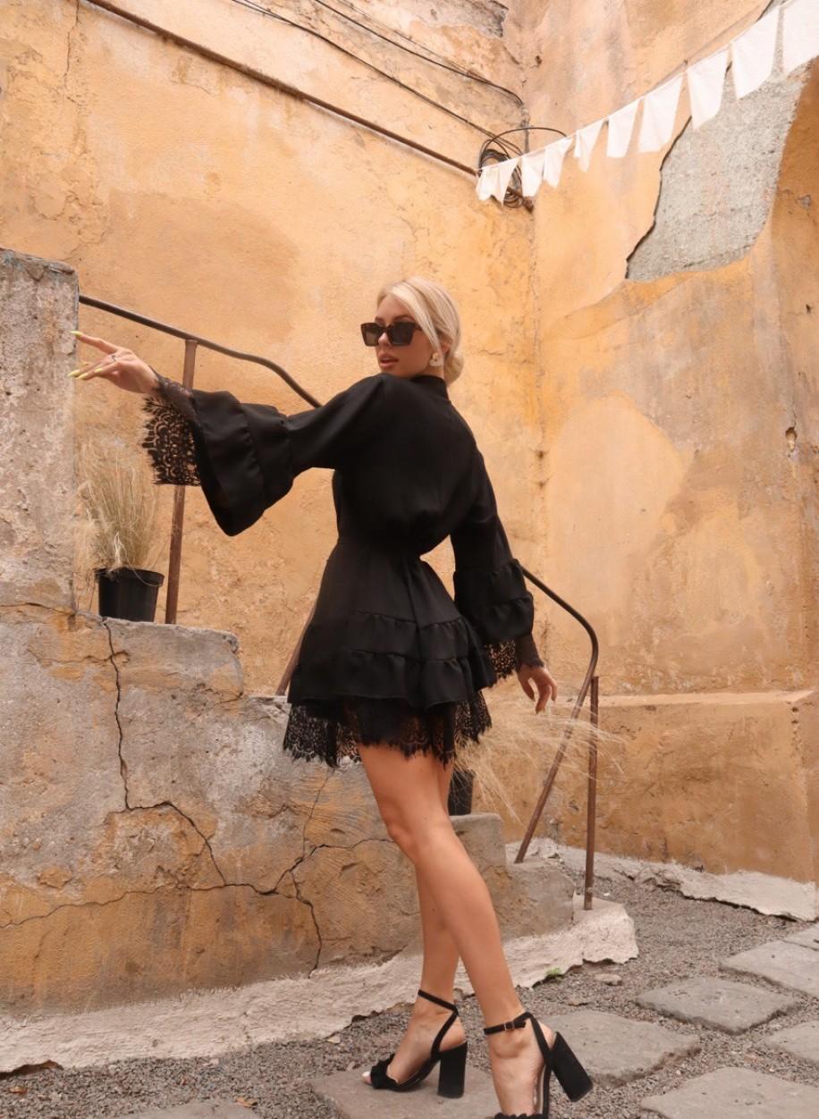 Тёмное платье с кружевом Каролина