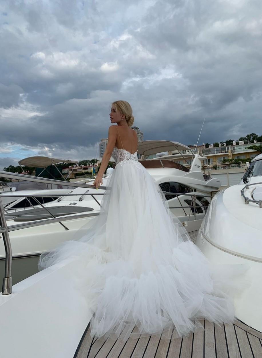 Свадебное платье с оборками