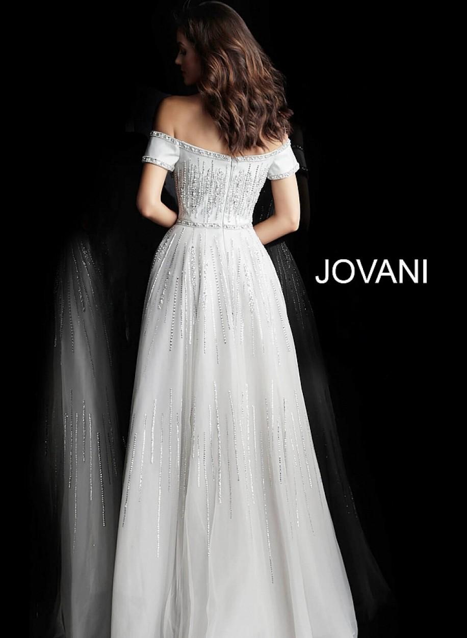 Светло серое вечернее платье с открытыми плечами Jovani 60655