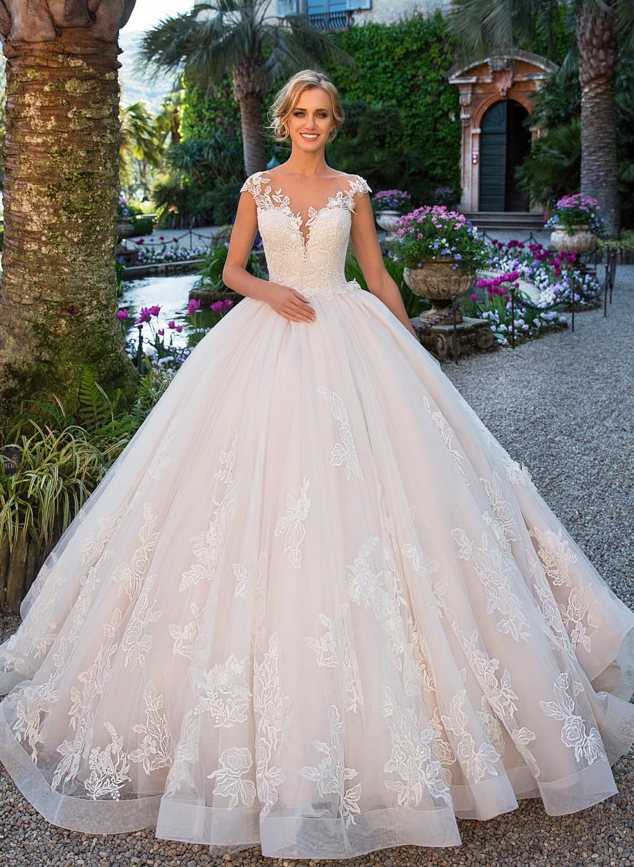 459e372bb9a2ca Cвадебное платье Lussano с кружевной пышной юбкой Dineo 17029 ...