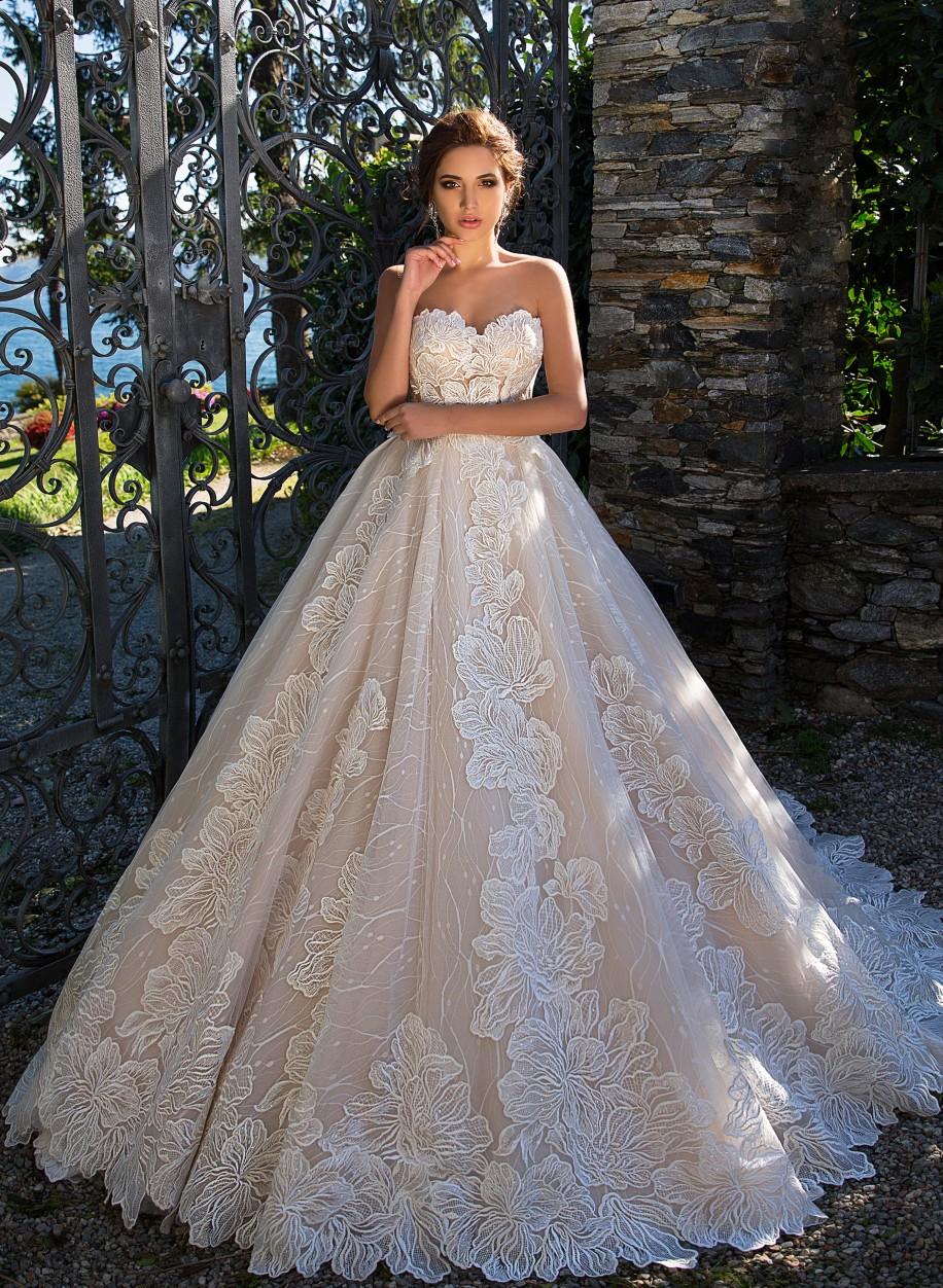 5c4dd8790 Свадебное платье Lussano с пышной юбкой Dolly 17034: купить по ...
